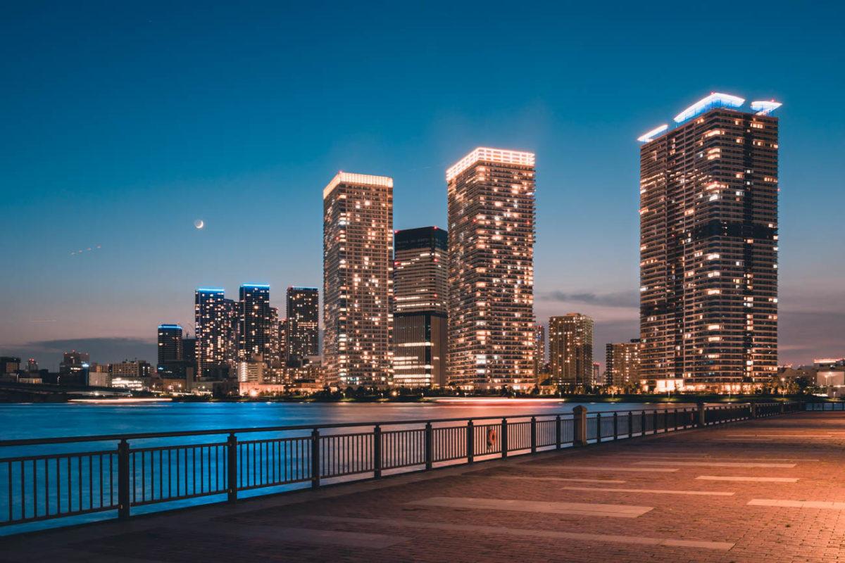 また一つ、明るく美しくなった湾岸の夜