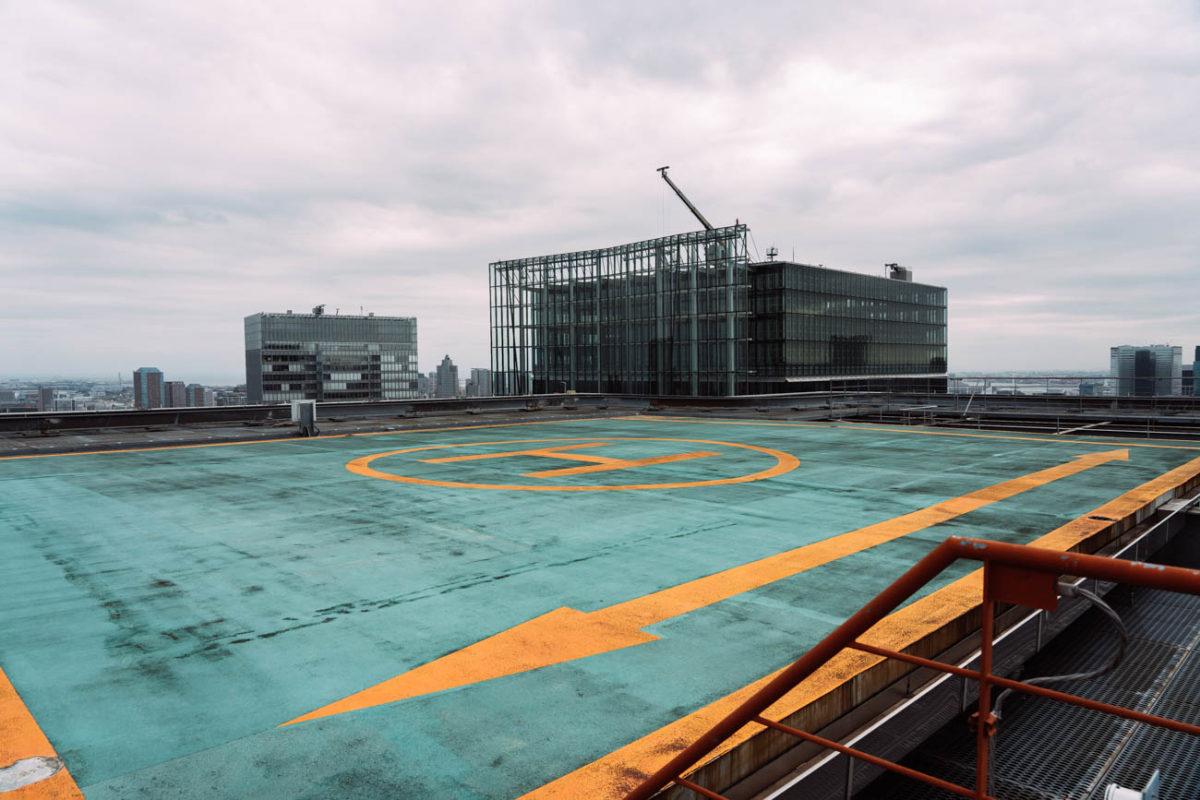 丸ビルの屋上から都心を眺める