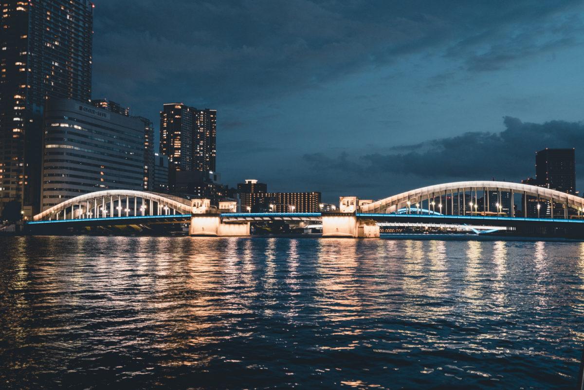ライトアップがリニューアルされた勝鬨橋が美しい